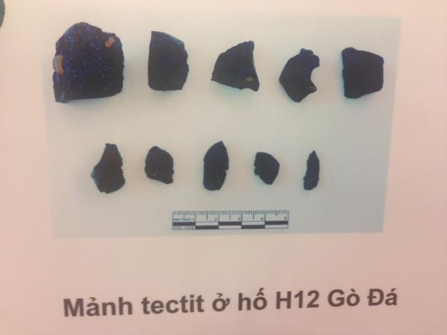 Các hiện vật thu được chứng minh sự có mặt của người Việt cổ cách đây 80 vạn năm ở An Khê. Ảnh:HTL.
