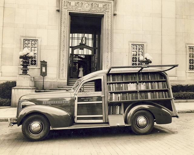 Một xe sách lưu động của thư viện quận New Castle, bang Delaware, Mỹ.