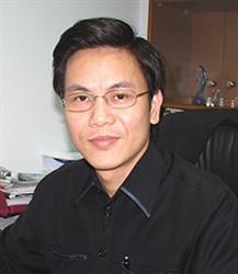 Tác giả Giản Tư Trung