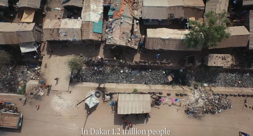 Dakar, Senegal, nơi có 1,2 triệu cư dân không tiếp cận được với hệ thống cống