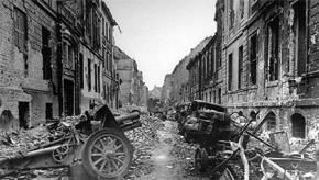 Đường phố Berlin (Đức) tháng 5/1945