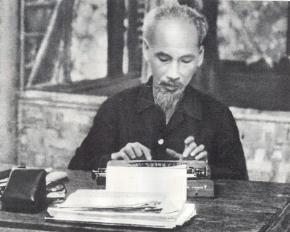 """Trao đổi với bạn đọc """"Di chúc Hồ Chí Minh với mục tiêu phát triển đất nước và các mô hình về XHCN"""""""