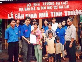 Chiến dịch Mùa Hè Xanh đi về các bản làng khó khăn- Chung tay góp sức xây dựng cộng đồng