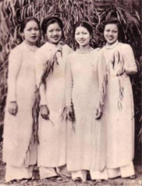 Người nghệ sĩ với biểu tượng Việt Nam