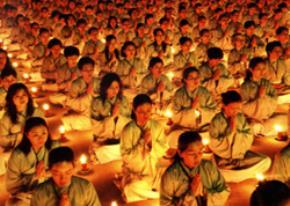 Phật tử trong buổi lễ chùa Hoằng Pháp - Ảnh: Thích Giác Thông