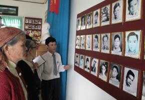 Giới thiệu phòng truyền thống yêu nước của thôn để giáo dục Lòng yêu nước, thương nòi, nghĩa đồng bào…