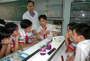 Ngày càng có nhiều bạn trẻ tham gia nghiên cứu khoa học và sáng tạo những công trình mang tính ứng dụng cao.