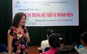 """Theo Tiến sĩ Nguyễn Thị Bích Hồng, vị thành niên là độ tuổi """"không còn trẻ thơ nhưng chưa trưởng thành"""", cha mẹ phải có kỹ năng riêng để dạy con trong giai đoạn này."""