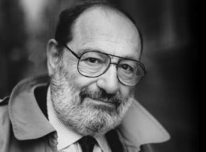 Umberto Eco (1932–2016) là cố triết gia, nhà văn người Ý, và giáo sư hưu trí ngành ngôn ngữ học tại Đại học Bologna.