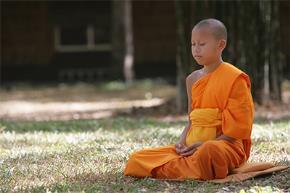 Vị thầy thân cận Đức Dalai Lama trả lời báo Giác Ngộ