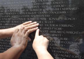 Việt Nam Veterans Memorial: Công trình tượng đài gây tranh luận nhất nước Mỹ