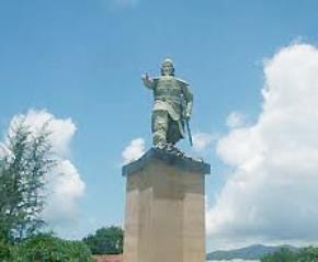 Hãy dựng tượng Đức Thánh Trần tại Trường Sa và Hoàng Sa!