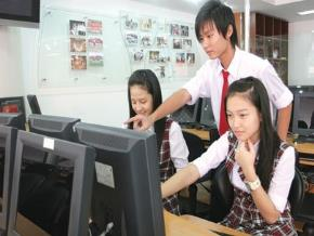 Internet ảnh hưởng đến mọi lĩnh vực, và giáo dục cũng không ngoại lệ với trao lưu giáo dục trực tuyến mở đại trà đang bùng nổ trên thế giới. Ảnh: Thanh Tao.