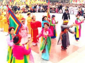 Lễ hội và sự lên ngôi của thói vụ lợi