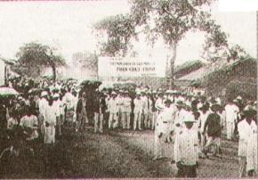 Nhân dân Sài Gòn đưa tang cụ Phan Châu Trinh ngày 4.4.1926 (ảnh: sưu tầm)