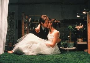 Cảnh trong phim Secretary (2002), đạo diễn Steven Shainberg