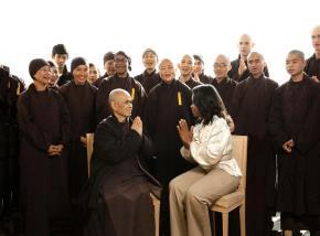Oprah đàm đạo với thiền sư Thích Nhất Hạnh