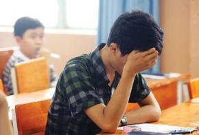 Sự hời hợt sẽ dẫn đến nhiều hệ lụy: học hành bị điểm kém, khó có thành công trong tương lai... - Ảnh: Đào Ngọc Thạch