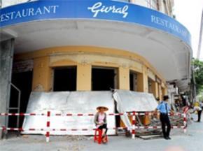 Mai này, nhà hàng Givral nổi tiếng qua nhiều thời mốc lịch sử chỉ còn trên bưu thiếp (Ảnh chụp ngày 19-4) Ảnh HTD