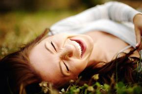 Hãy lắng nghe bản thân nhiều hơn và bạn sẽ thấy hạnh phúc, vui vẻ hơn rất nhiều (Ảnh minh họa)