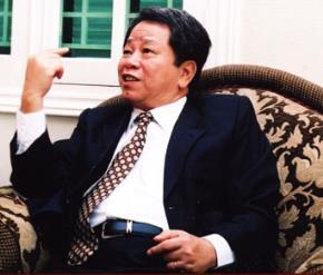 """Nguyễn Trần Bạt - """"Tổng tư lệnh"""" của những điều khác biệt"""