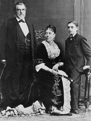 Ảnh chụp gia đình Leland, Jane và Leland Jr. tại Paris c. 1881-1883