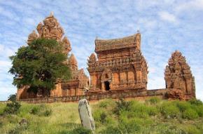 Tháp Poklong Garai ở Phan Rang của người Chàm