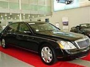 Chiếc Maybach 62 tại salon Hoàng Trọng hôm 28-11. Ảnh: Xuân Tuyền