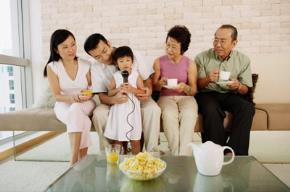Sự biến động của cuộc sống trong gia đình hiện đại