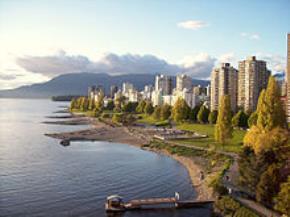 Vịnh English nằm tại phía tây Downtown Vancouver.