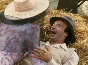 """Roberto Benigni là tác giả kịch bản, đạo diễn kiêm diễn viên chính trong """"Cuộc sống tươi đẹp""""."""