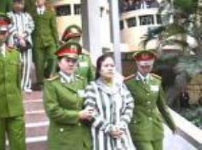 Lã Thị Kim Oanh -  trong một vụ tham nhũng mới đây
