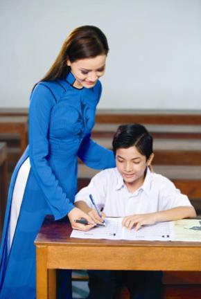 """GS Hoàng Tụy chỉ đích danh """"căn bệnh"""" tàn phá giáo dục Việt Nam"""