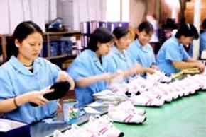 Trách nhiệm xã hội của DN thể hiện trước hết là quan tâm đến đời sống người lao động.