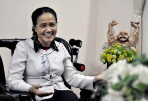 GS. TS Trần Thị Vinh nói rằng, muốn đất nước phát triển, muốn biến khát vọng thành hiện thực phải biết tìm ra lợi thế của quốc gia đó. Ảnh Trần Kháng.