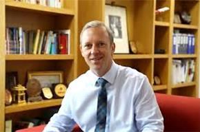 Ngài Gareth Ward - Đại sứ đặc mệnh toàn quyền Anh và Bắc Ailen tại Việt Nam