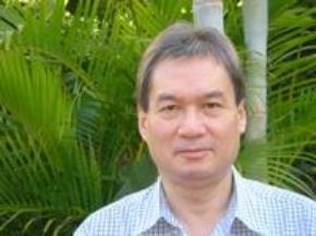 Gặp người mắc nợ tiếng Việt