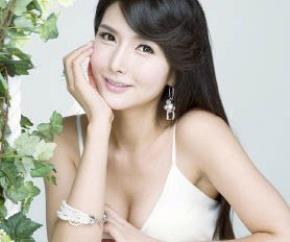 Người đẹp Hàn Quốc Cha Seon Hwa.
