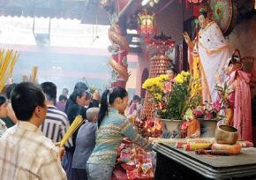 Những cấm kỵ khi vãn cảnh đều miếu chùa chiền, bái Phật