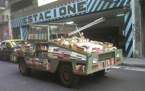 Hình ảnh về những chuyến xe chở sách của một thời dĩ vãng