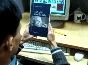 Mỗi năm sẽ có 50-70 cuốn sách có giá trị học thuật cao được dịch và xuất bản nhằm truyền tải những tư tưởng văn minh nhân loại cho trí thức Việt Nam (Ảnh: Trần Vũ)