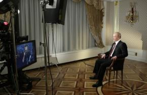 """Putin """"đấu khẩu"""" với Larry King: """"Đừng chọc vào chuyện của chúng tôi!"""""""