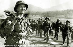 Chiến sĩ Việt Nam hành quân chiến dịch 1975