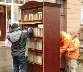 Độc đáo tủ sách công cộng ở Đức...
