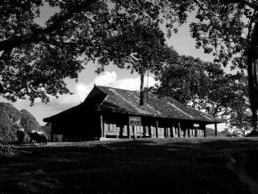 Đình làng là nơi thiêng liêng nhất của cộng đồng làng xóm Việt Nam xưa nay. Ảnh: đình làng Nông Lục (Lạng Sơn).