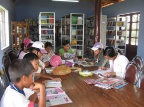 Thư viện huyện Khánh Sơn tỉnh Khánh Hòa phục vụ độc giả Thiếu nhi