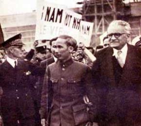 Hồ Chí Minh sang Pháp để dự Hội nghị Fontainebleau năm 1946