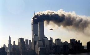 Gần 3.000 người đã thiệt mạng khi bọn khủng bố đâm hai máy bay bị không tặc vào tòa tháp đôi Trung tâm Thương mại thế giới ngày 11/9/2001. (Ảnh: Corbis)