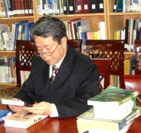 Nguyễn Trần Bạt - Người chạm đến chân lý tuyệt đối