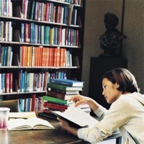 Tản mạn về cái sự đọc của người Việt